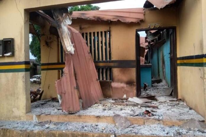 Police repel attempt by gunmen to stop reconstruction of Orji Division HQs -